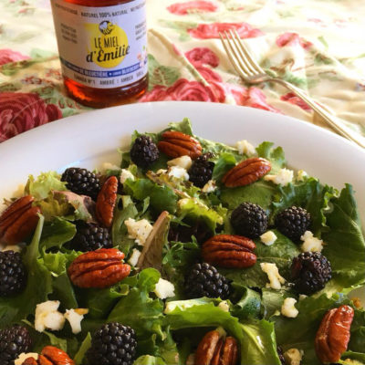Blackberries, Goat Cheese and Honey-Roasted Pecans Salad