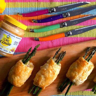Baluchon d'asperges, ricotta, jambon et miel