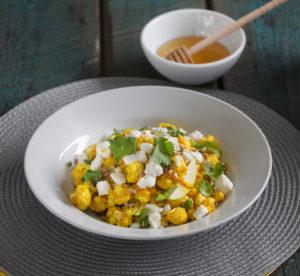 Salade gourmande, vinaigrette miel et curcuma